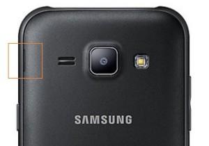 Samsung Galaxy J1 hátlap